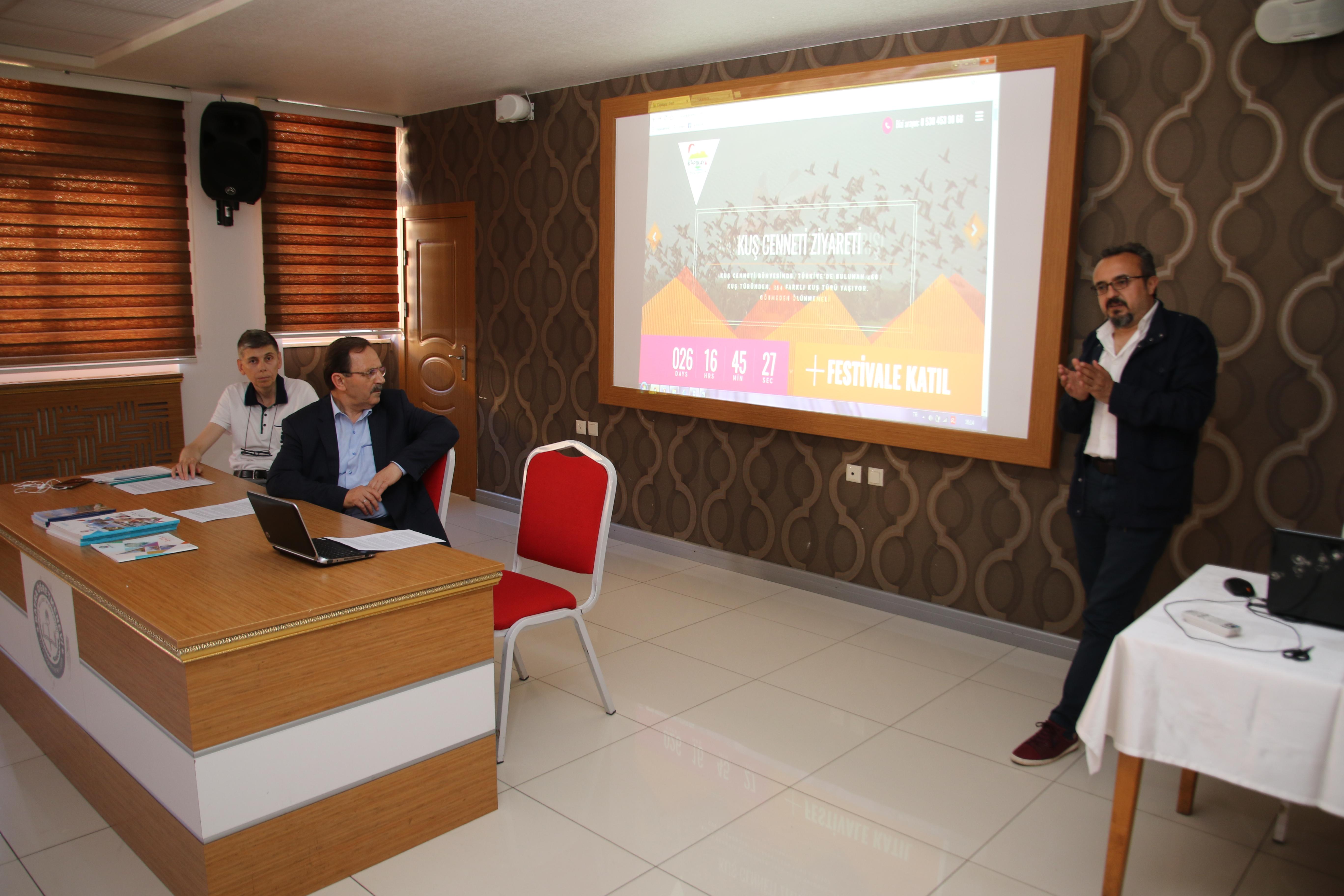 Festival Sözcüsü Yazar Yönetmen Fedai Çakır basın mensuplarına Festival hakkında bilgi verdi.